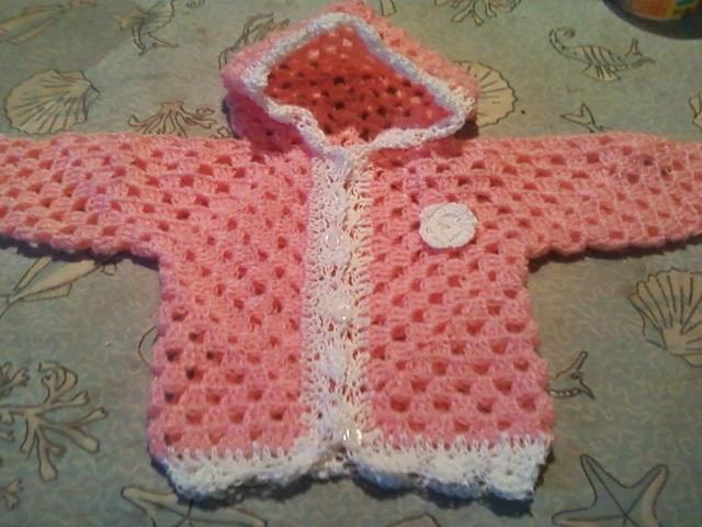 Saquito tejido al crochet para bebé - Imagui