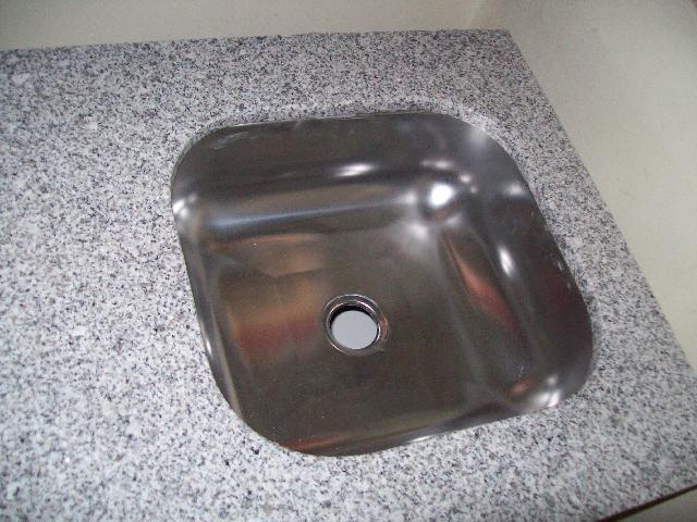 Oportunidad mesada nueva para cocina en granito gris ind for Hogar muebles montevideo